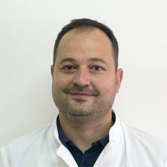 ok profilne_0001_dr Mirko Kolak, spec. internista-onkolog, v.d. šef službe